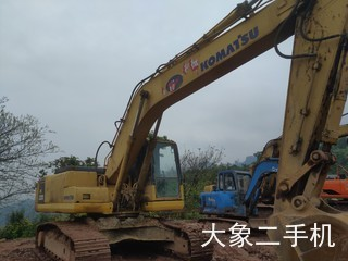 小松PC220-8挖掘机