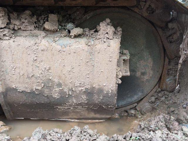 现代 R150LC-9 挖掘机