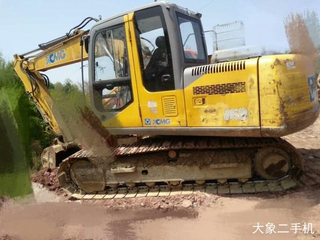 徐工 XE135B 挖掘机