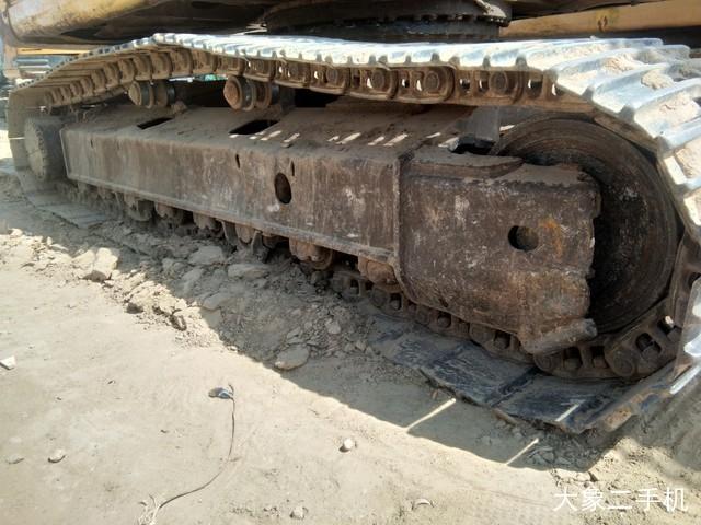 小松 PC220-8 挖掘机