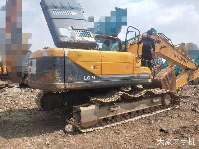 现代 R225LC-9 挖掘机