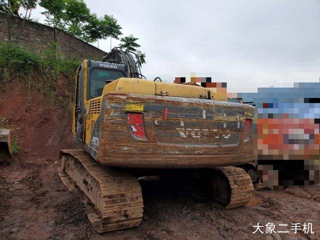 沃尔沃 EC210BLC 挖掘机