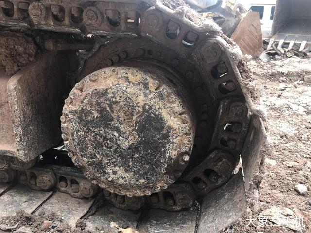 现代 R225LC-7 挖掘机