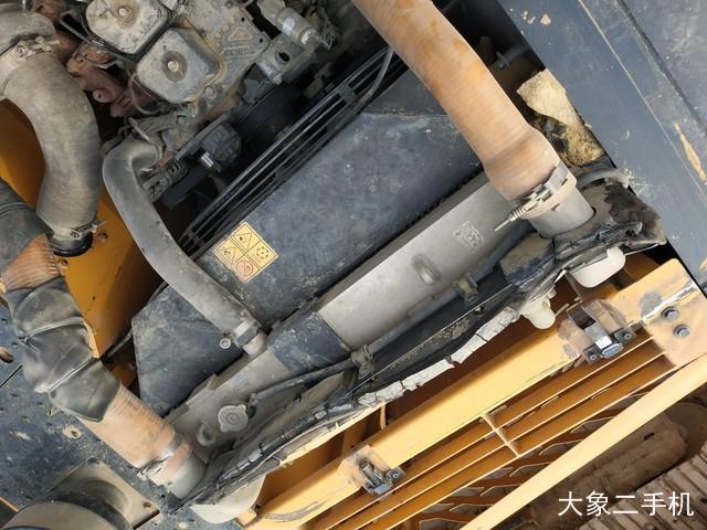 现代 R225LC-9V 挖掘机